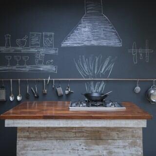 Mit diesen 5 Wandhalterungen können Sie Platz in der Küche sparen
