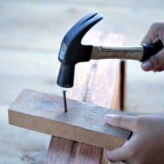 Mit diesen 6 Tipps hämmern Sie richtig Nägel in das Holz