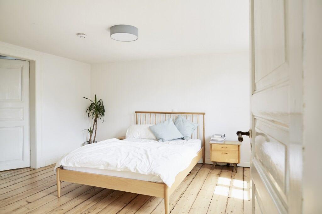 schlafzimmer einrichten worauf sie achten m ssen myhomebook. Black Bedroom Furniture Sets. Home Design Ideas