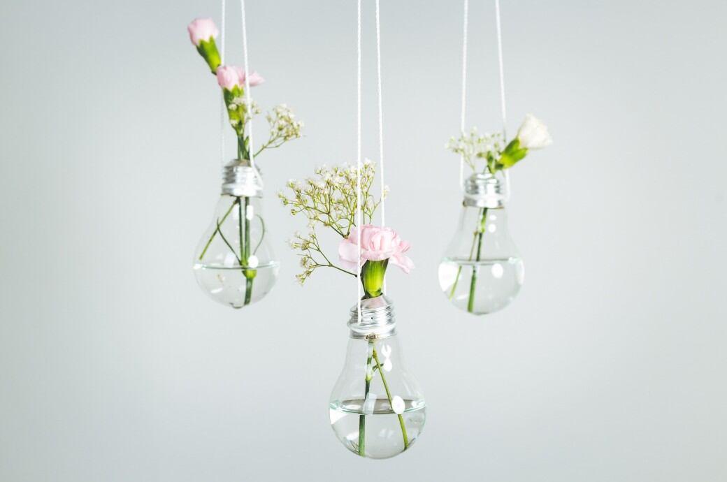 Mit Anleitungen: 4 DIY-Deko-Tipps aus alten Glühbirnen - myHOMEBOOK