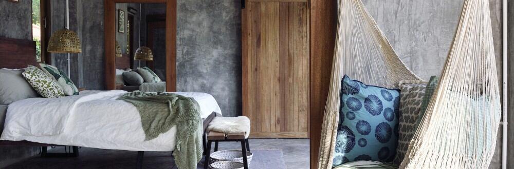 Um Deko oder Möbel an der Decke anbringen zu können, brauchen Sie Haken in der Decke