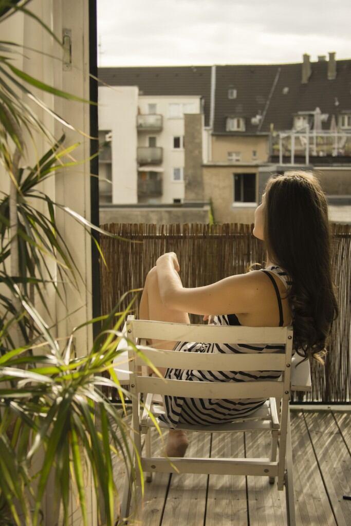 Balkon mit Bambus-Sichtschutz