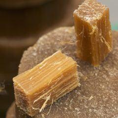 Baumwolltücher werden mit natürlichem Bienenwachs überzogen.