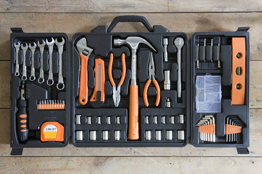 Auch fertige Werkzeugkästen aus dem Baumarkt sind für Anfänger eine gute Wahl