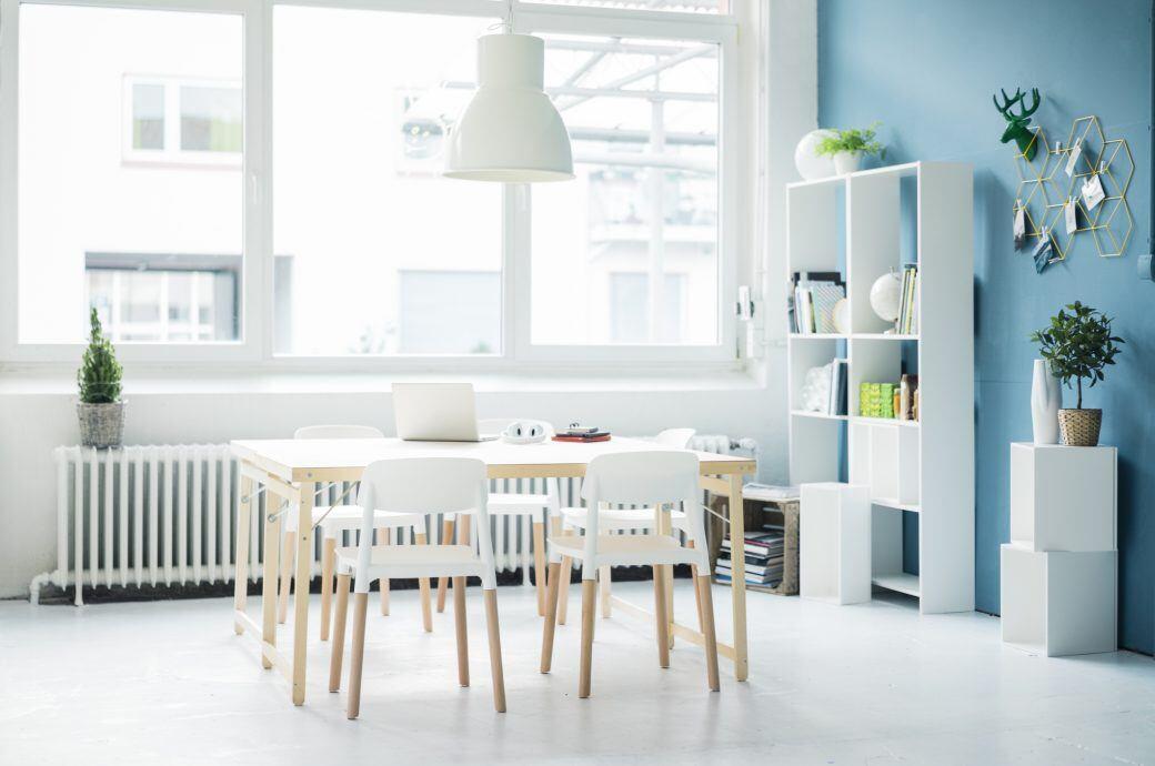 Ein eingerichtetes Zimmer