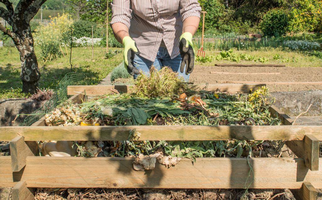Komposthaufen im Garten