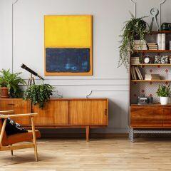 Wohnzimmer mit Kunstwerk/Gemälde