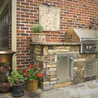 Der Traum einer Outdoor-Küche sollte gut geplant sein