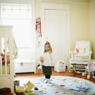 Ins Kinderzimmer gehören helle, freundliche Farben