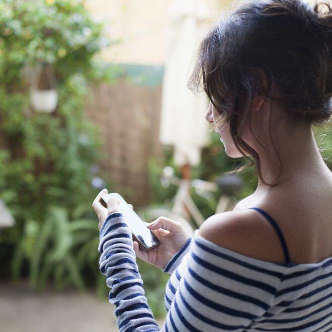Wie kann man mit WLAN-Steckdosen die Gartenbeleuchtung oder den Bewegungsmelder steuern?