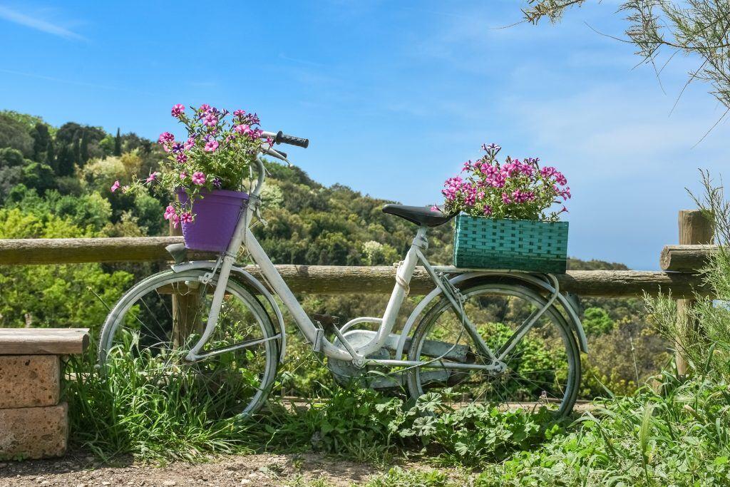 9 Deko-Ideen für einen gemütlicheren Garten