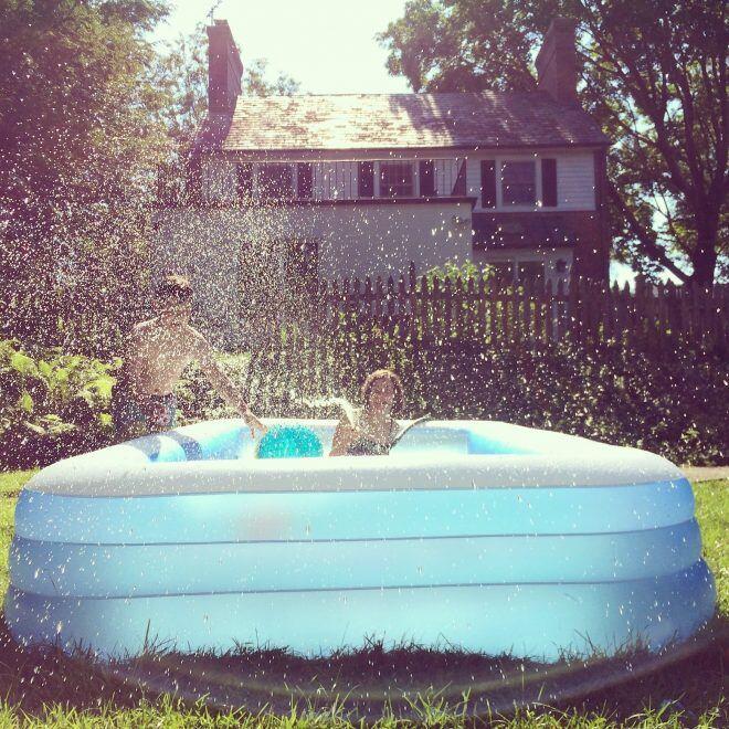 Die passenden Swimmingpools für kleine und große Gärten