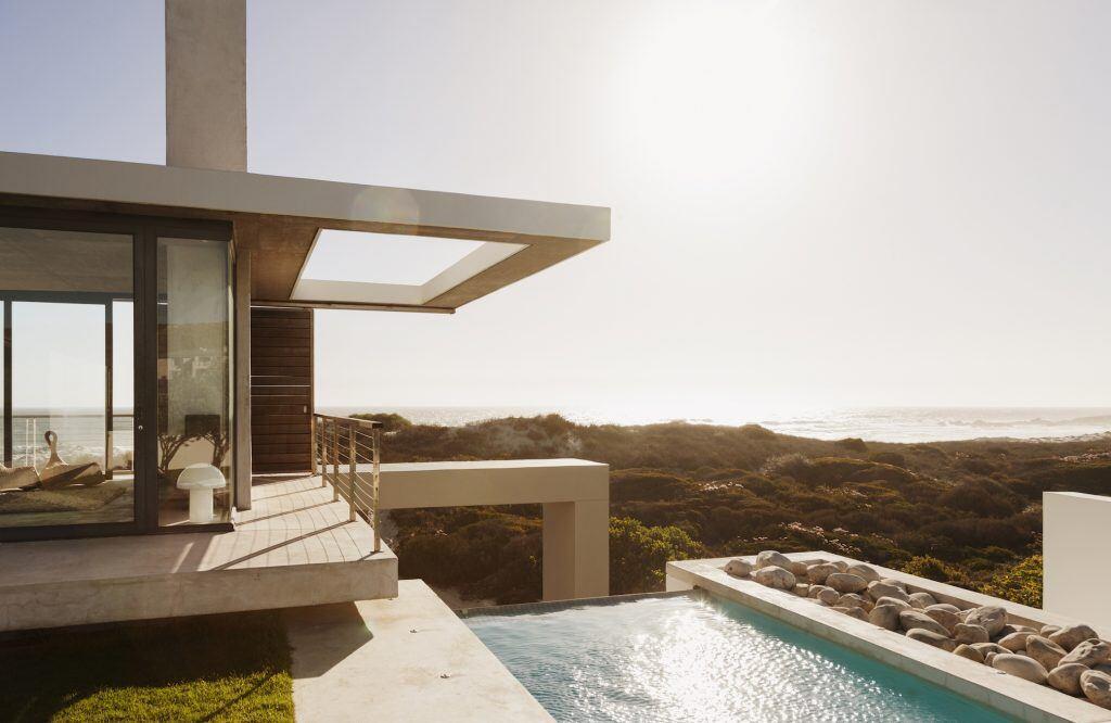 Eine moderne Terrasse über mehrere Ebenen