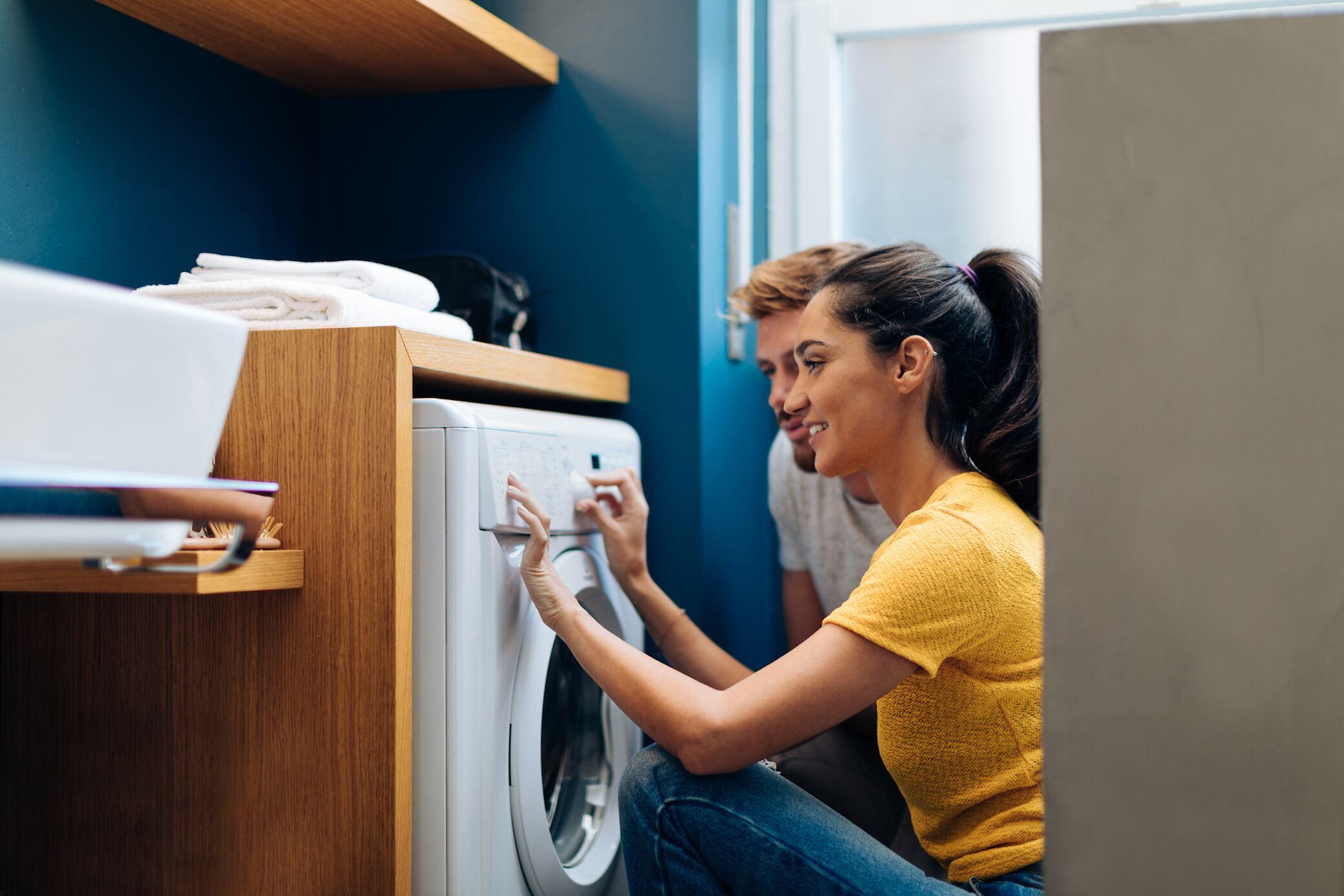 Dürfen Waschmaschine und Spülmaschine laufen, wenn Sie nicht zu Hause sind?