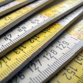 Nicht nur Längen, sondern auch Winkel lassen sich mit einem Zollstock messen