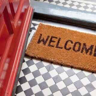 Worauf man beim Kauf von Fußmatten achten sollte