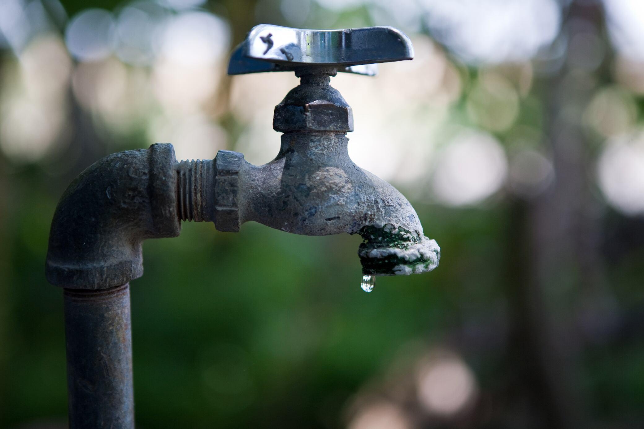 Wann Sie Wasserhähne im Freien abdrehen sollten