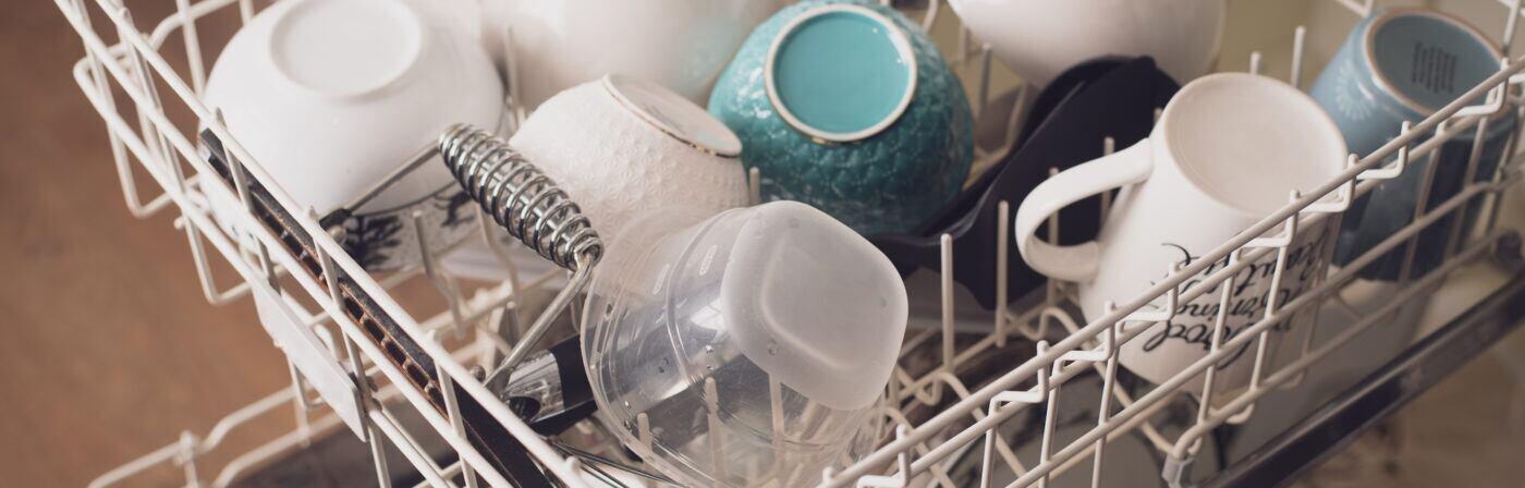 Worauf Sie beim Reinigen der Spülmaschine achten sollten
