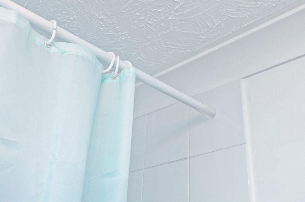 Wie oft sollte man den Duschvorhang waschen?