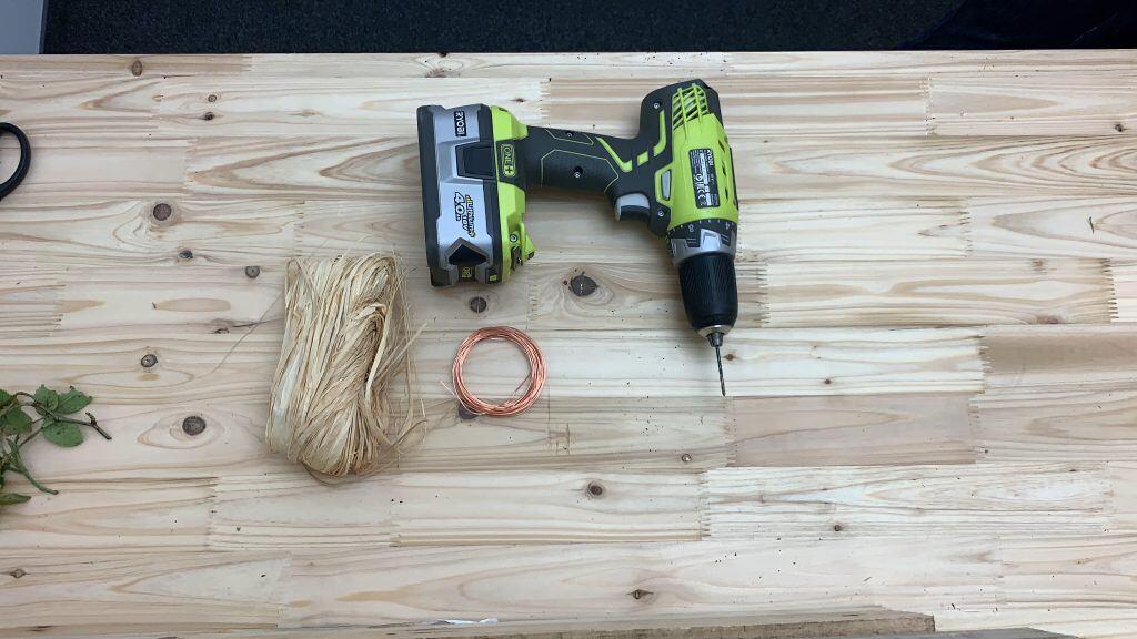 Werkzeug zum Basteln von Kränzen