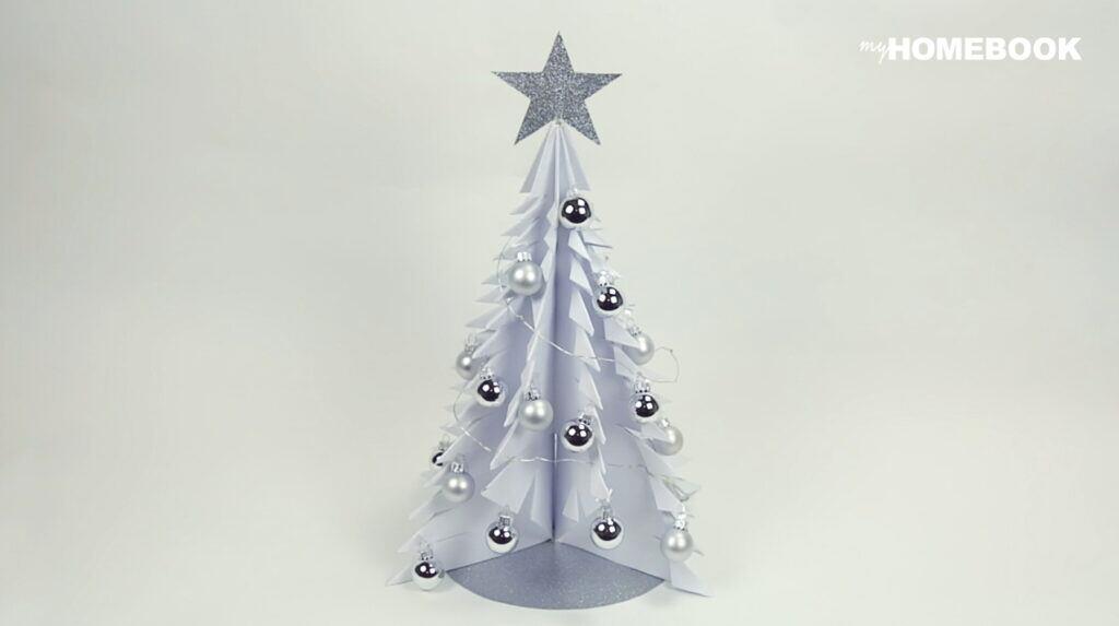 Weihnachtsbaum aus Papier basteln – so geht's