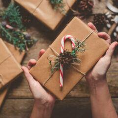 Das beliebteste Versteck für Weihnachtsgeschenke der Deutschen