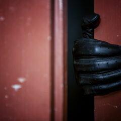 Die Haustür vor Einbrechern sichern