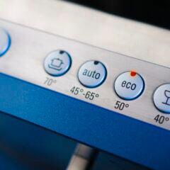 Das Eco-Programm bei der Spülmaschine soll Energie sparen, dauert dafür aber länger