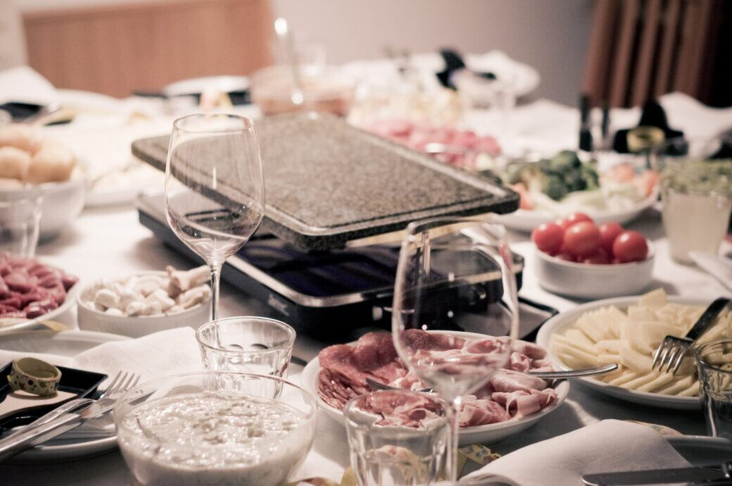 Raclette-Grill sauber machen – so macht man es richtig