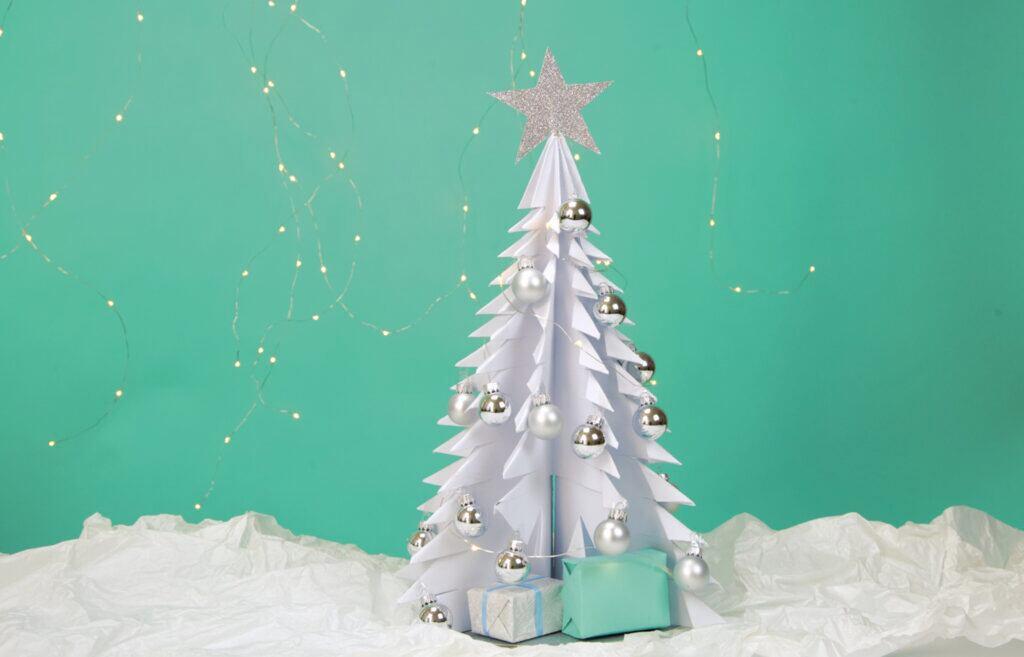weihnachtsbaum aus papier basteln mit video anleitung. Black Bedroom Furniture Sets. Home Design Ideas