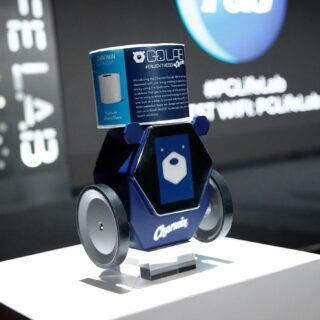 Auf der CES 2020 wurde Roboter-Bär RollBot vorgestellt, der Klopapier ins Badezimmer bringen kann