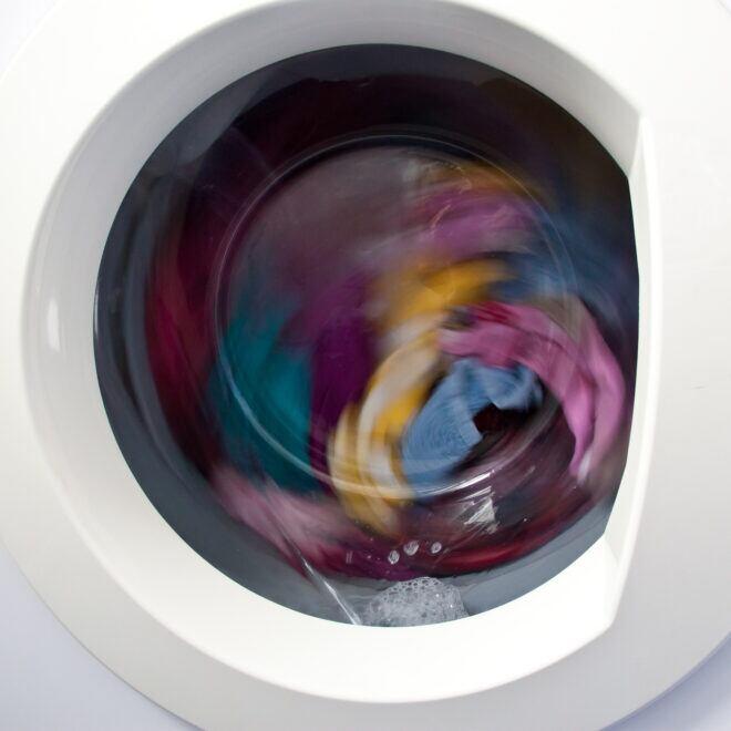 Effektive Tipps, mit denen die Waschmaschine beim Schleudergang nicht mehr stark wackelt