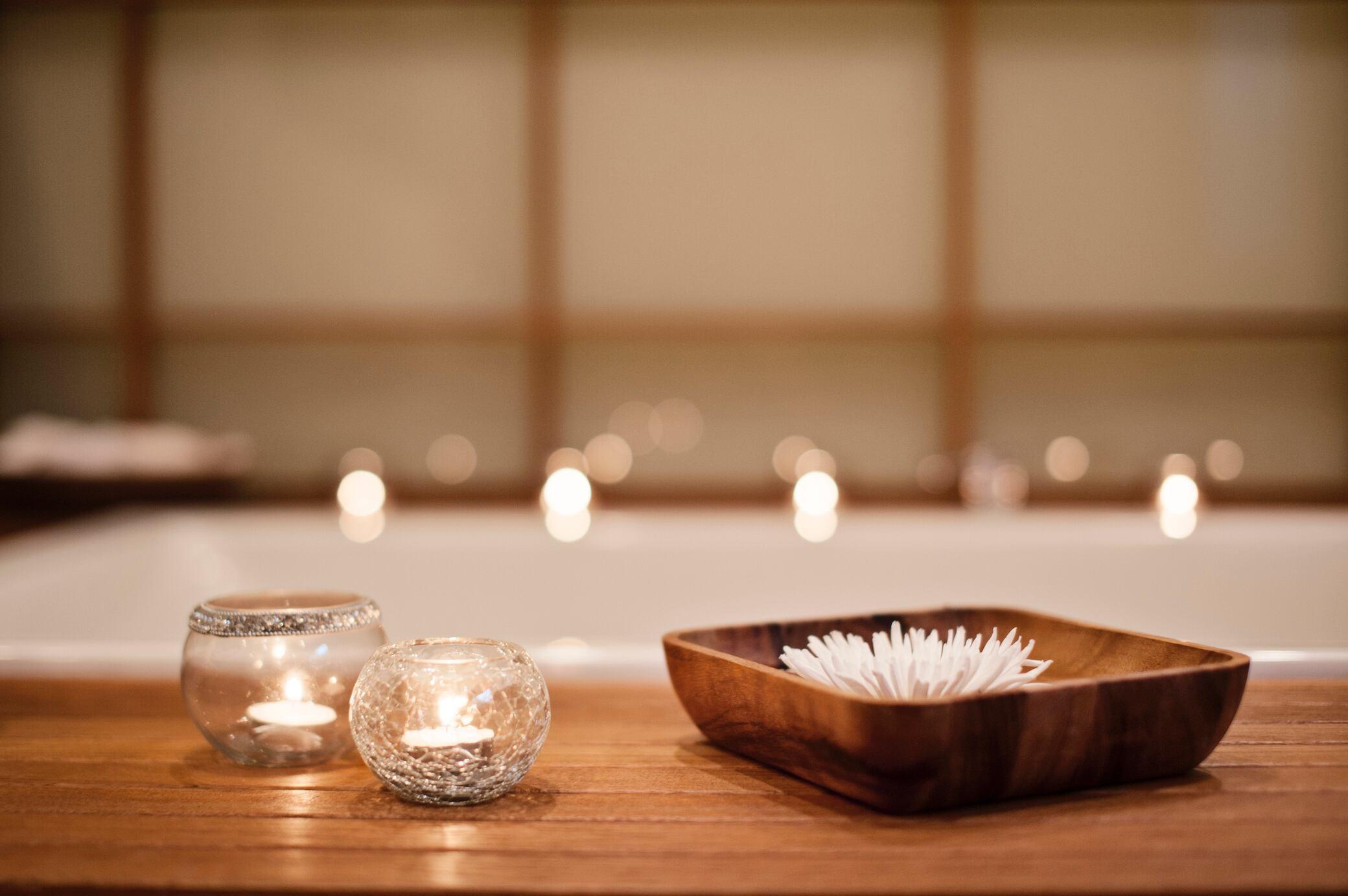 8 Tipps, um die Badewanne in eine Wellness-Oase zu verwandeln