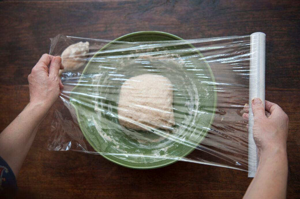 Frischhaltefolie ist praktisch, aber schwer abzureißen