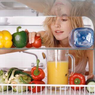 Je weniger man die Temperatur des Kühlschranks herunterregelt, desto weniger Strom verbraucht das Gerät