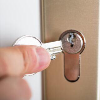 Wenn der Schlüssel abgebrochen ist, sollen ein paar Tricks weiterhelfen können