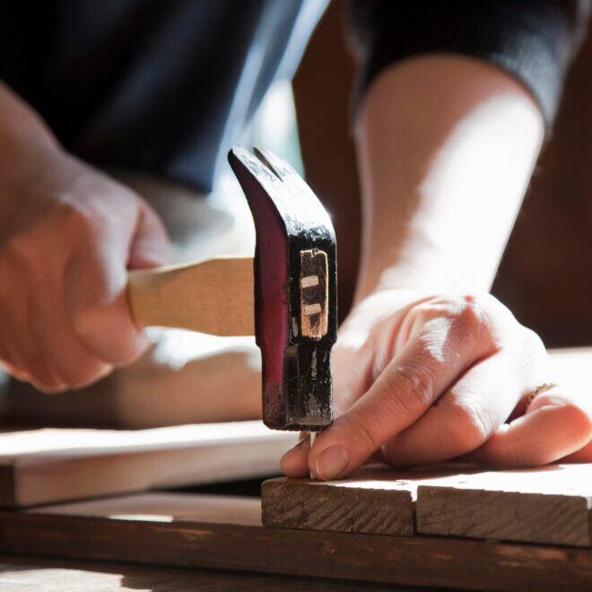 Ein Hammer gehört zur Ausstattung jedes Heimwerkers