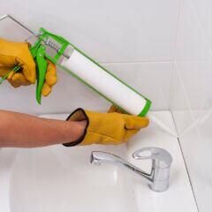 Silikonfugen in 4 Schritten sauber ziehen