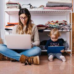 Wegen der Coronakrise arbeiten viele von zu Hause – und das sind die witzigsten DIY-Home-Offices