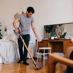Putzen kann mühsam sein, da sollten die falschen Möbel die Arbeit nicht noch zusätzlich erschweren