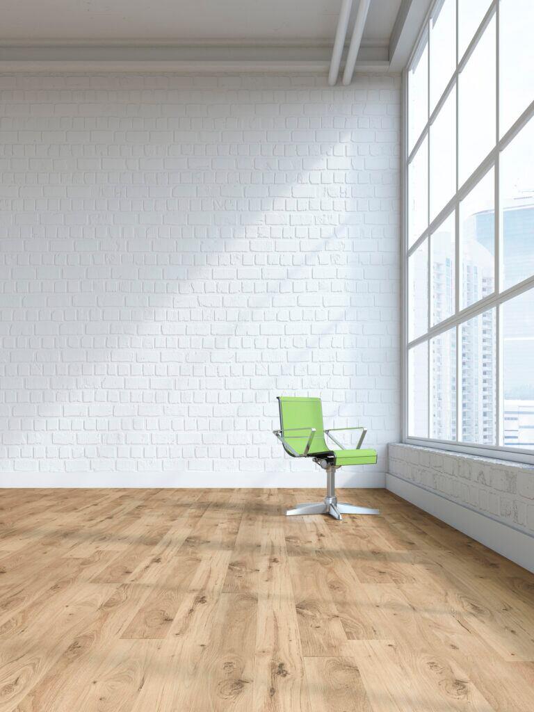 Heizungsrohr in Farbe der Wand streichen