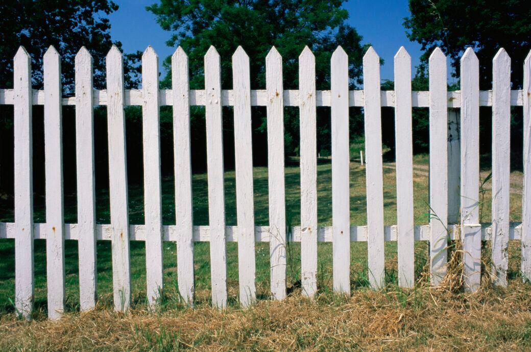 Ein Gartenzaun ist kein probates Mittel, um die Grundstücksgrenze ausfindig zu machen