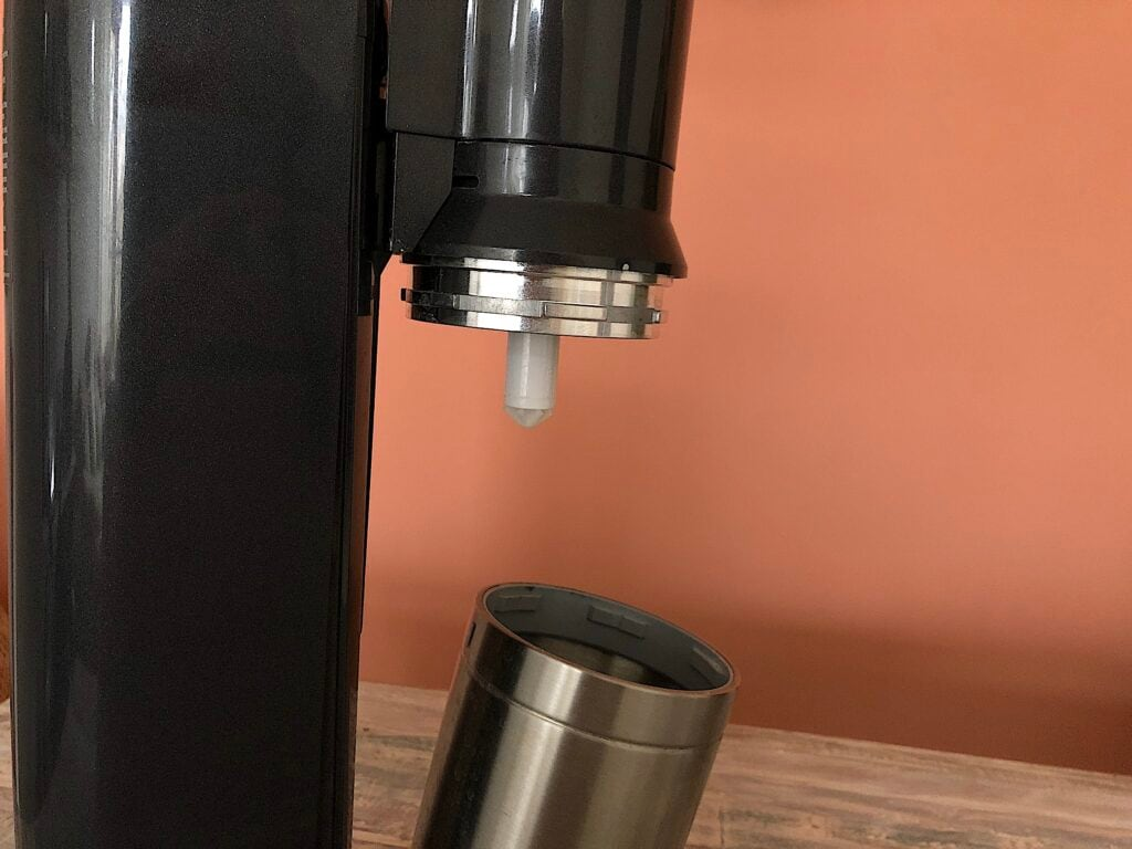 Mit diesen Hausmitteln kann man Wassersprudler entkalken