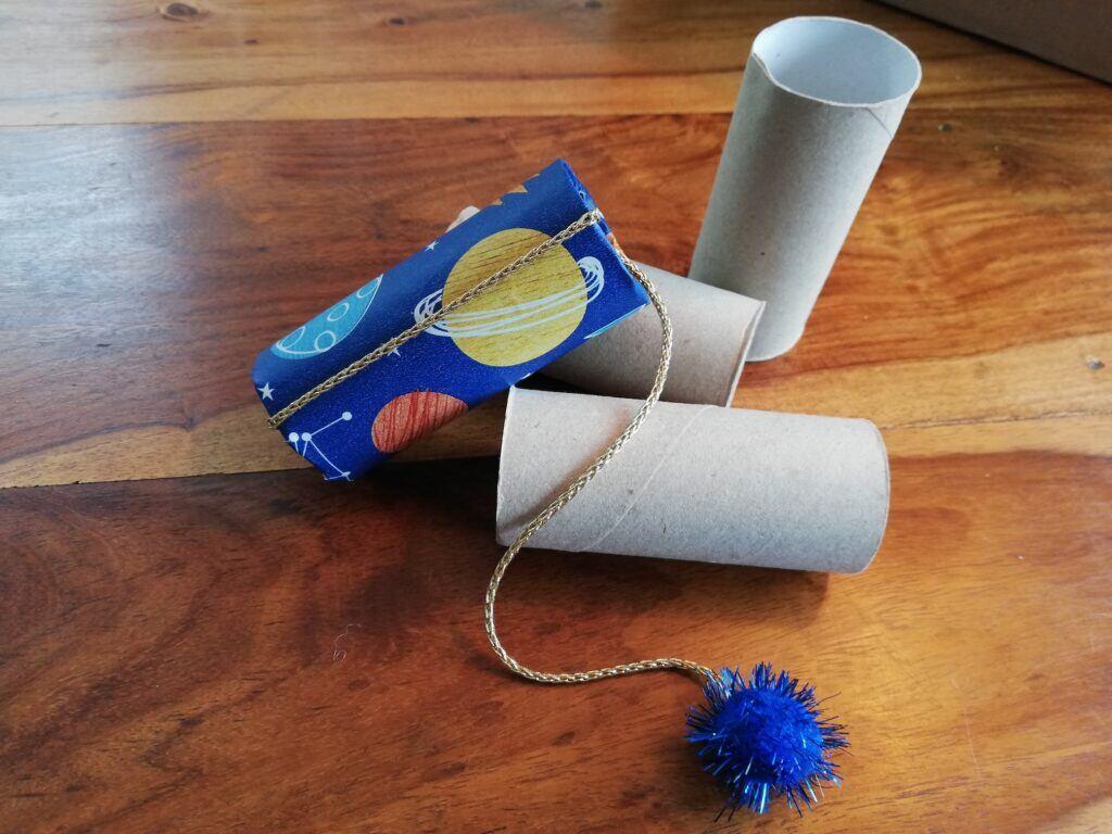 Eine Geschicklichkeitsspiel zum selber basteln – aus alten Klopapierrollen