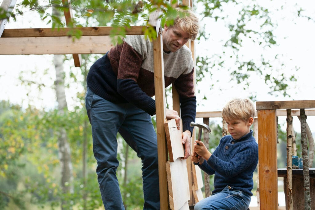 Beim Baumhaus sollte man stets auf die Sicherheit achten