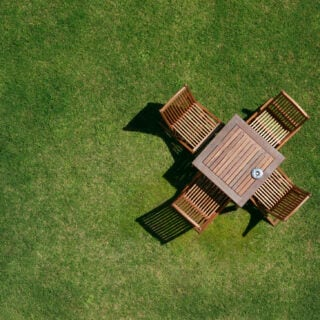 Woran man gute Qualität bei Gartenmöbeln aus Holz erkennt
