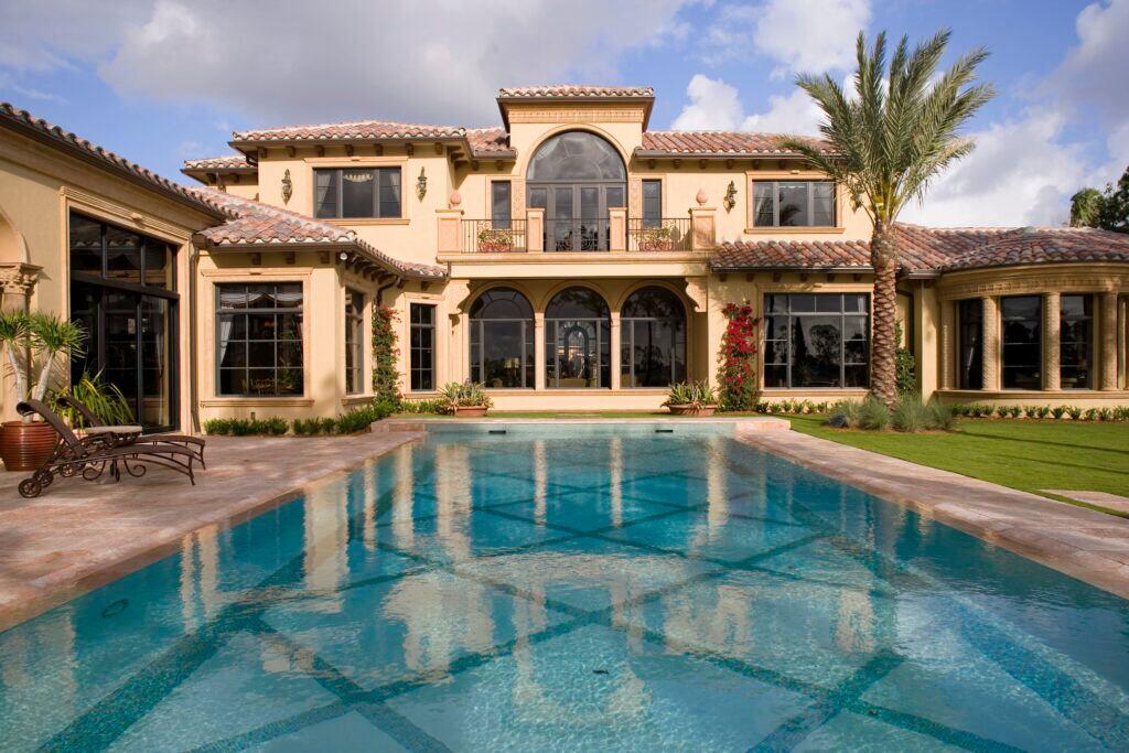 Luxuriöse Villa mit Swimmingpool