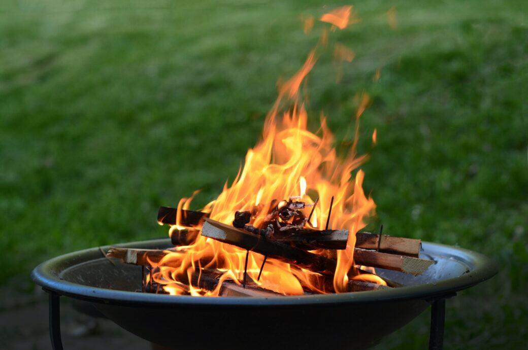 Eine Feuerstelle im Garten