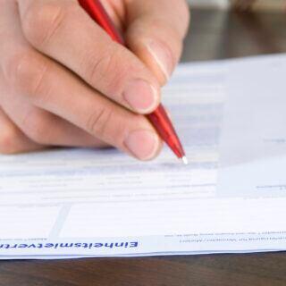Ein Mietvertrag wird unterschrieben