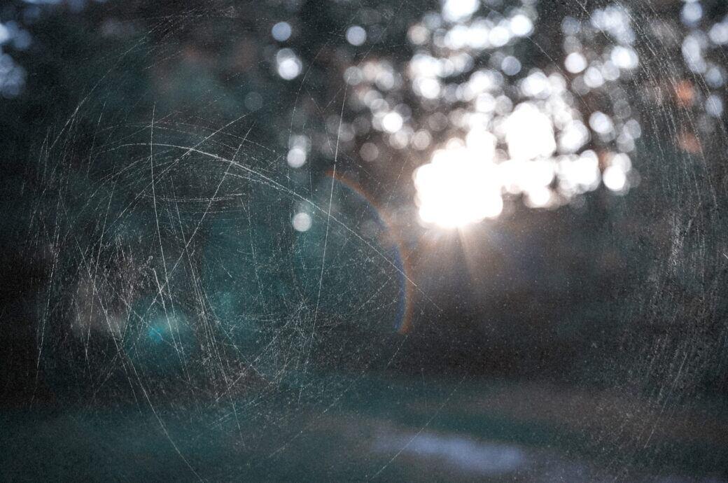 Mit Hausmitteln Kratzer aus Glas entfernen
